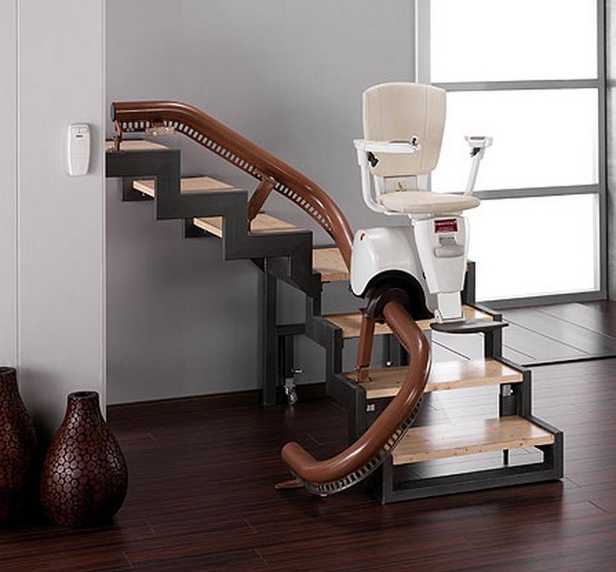 Sillas sube escaleras y plataformas elevadoras para for Sillas para escaleras minusvalidos